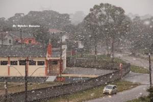 Neve em Araucária. Foto de Odirlei Busatto.