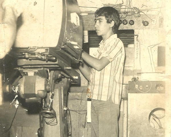 cine-projetor-antigo sem data