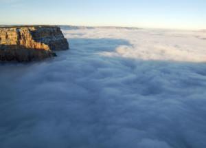 canyon nuvens