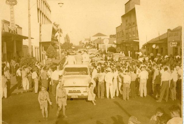 Apucarana centro caminhão antiga JWS -